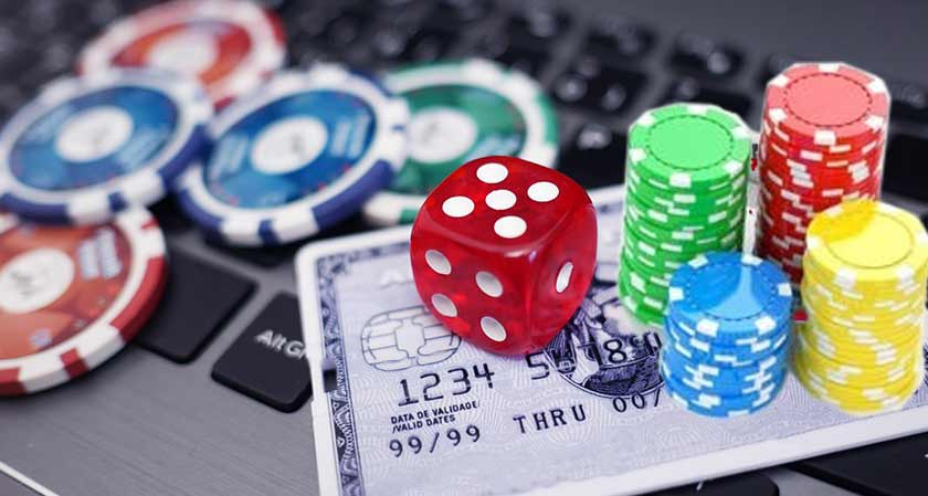 Knowing when to Bluff in Poker Online